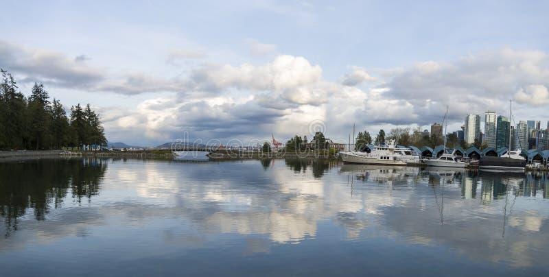 Härlig sikt av Vancouver horisont arkivbilder