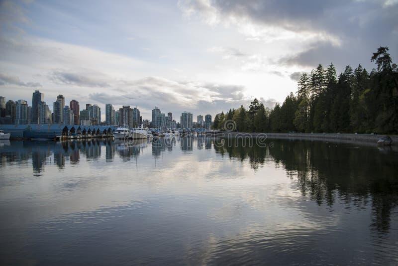 Härlig sikt av Vancouver horisont fotografering för bildbyråer