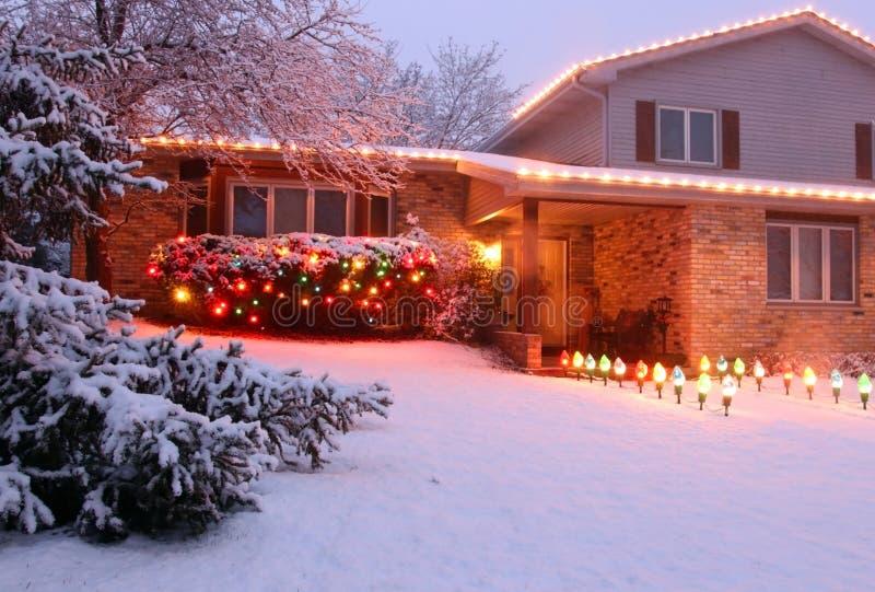 Härlig sikt för vinterhäftig snöstormafton royaltyfri fotografi