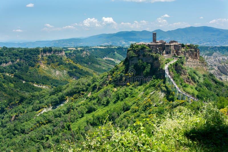 Härlig sikt på den berömda döda staden av Civita di Bagnoregio, Italien arkivfoto