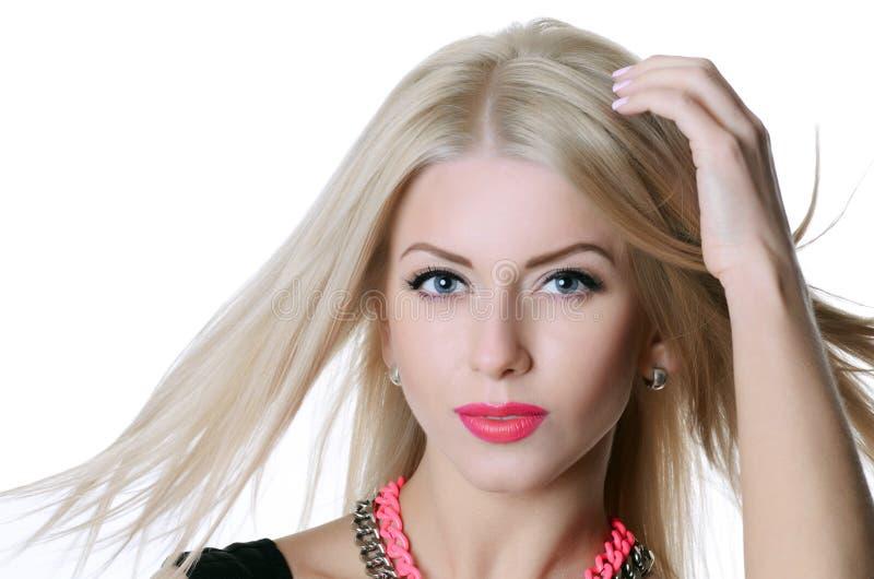 Härlig sinnlig kvinna med långt hår arkivfoton