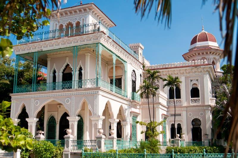 Härlig slott i Cienfuegos arkivfoto