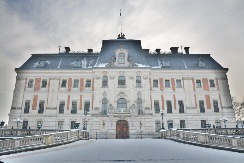 Härlig slott i Pszczyna, Polen royaltyfri fotografi