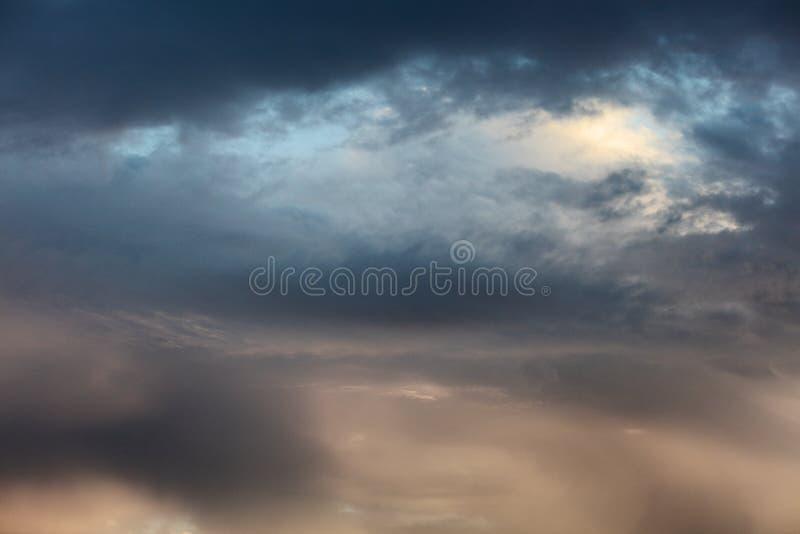 Härlig solnedgång över medelhavet royaltyfri fotografi