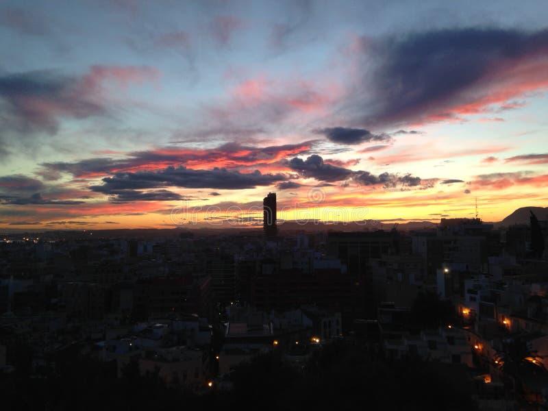 Härlig solnedgång i Alicante Spanien fotografering för bildbyråer