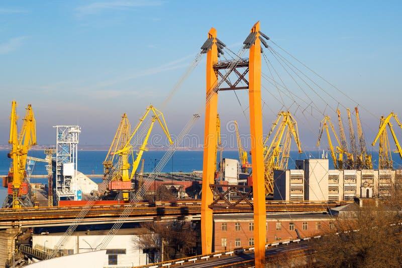 Härlig solnedgång i den Odessa hamnstaden arkivfoto