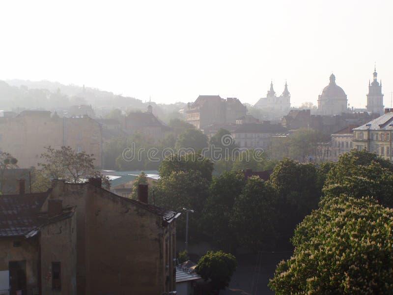 Härlig soluppgång på våren Lviv arkivbild
