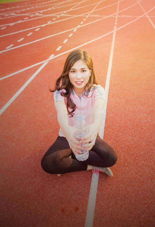 härlig sportkvinna arkivbilder
