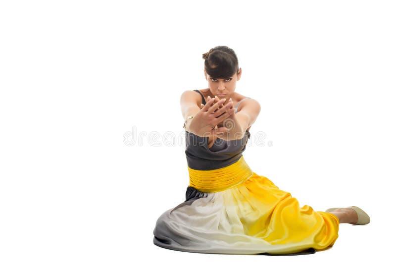 Härlig stående för closeup för modemodell med hårdesign royaltyfri fotografi