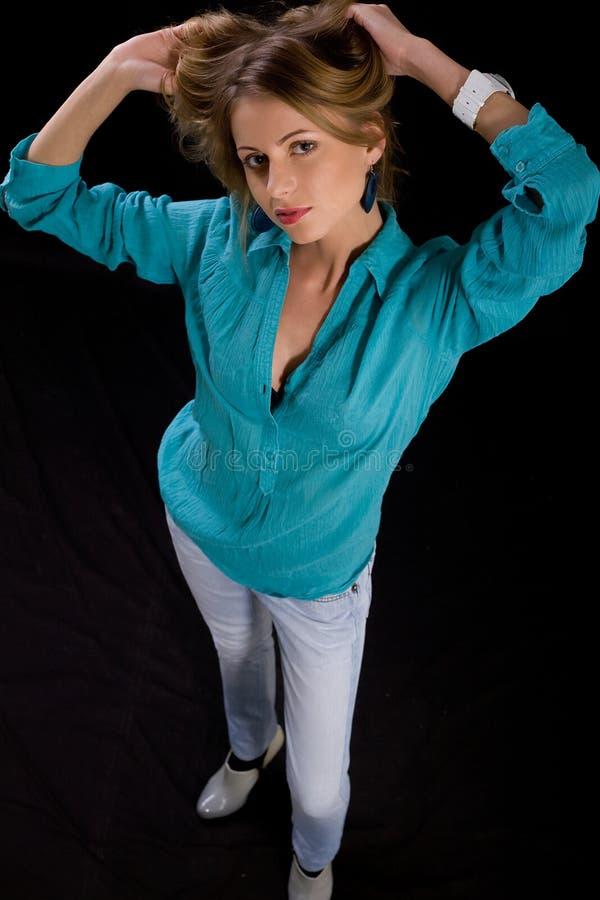 härlig ståendekvinna royaltyfria foton