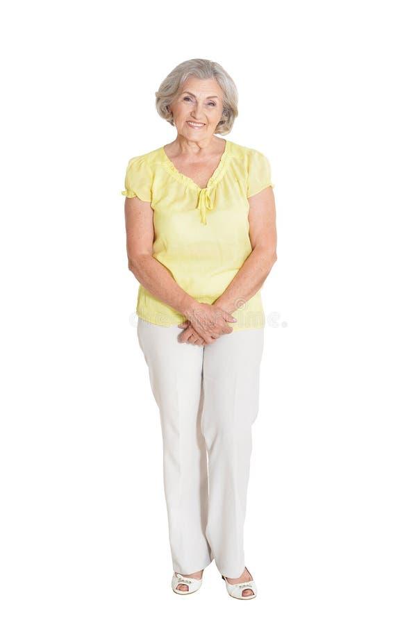 härlig ståendepensionärkvinna royaltyfri foto
