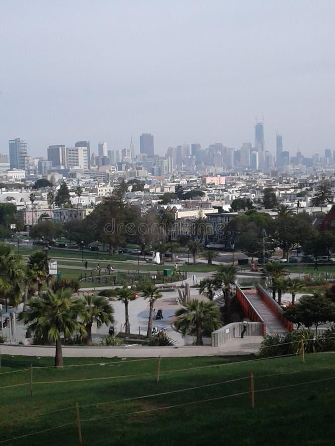 Härlig stad för härlig dag! arkivfoton