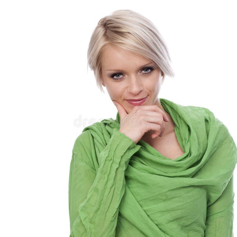 Härlig stilfull kvinna med gröna ögon royaltyfria foton