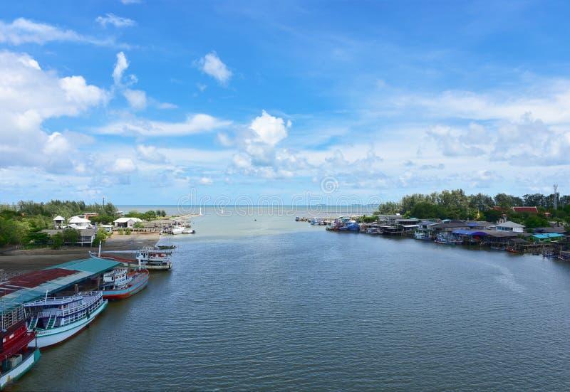 Härlig strand för rayong för Pak namprasae Naturlig mangroveskogsikt i den Rayong fjärden Thailand Natursylt i Klaeng Foursqua arkivbild