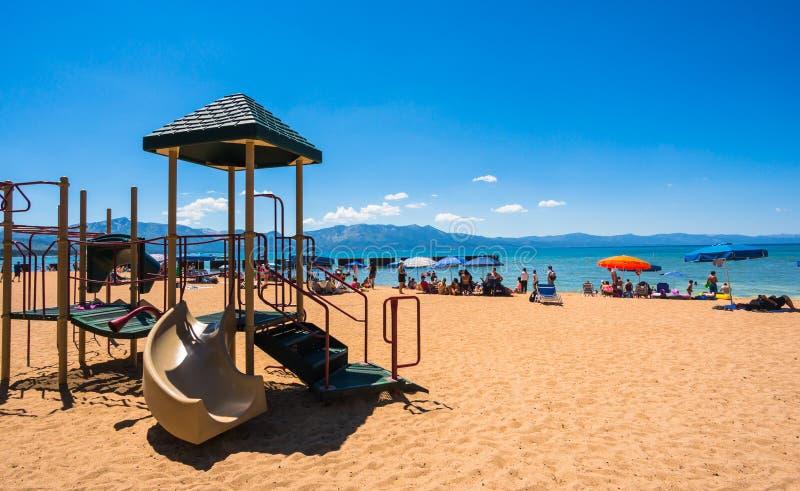 Härlig strand i Lake Tahoe, Kalifornien royaltyfri foto