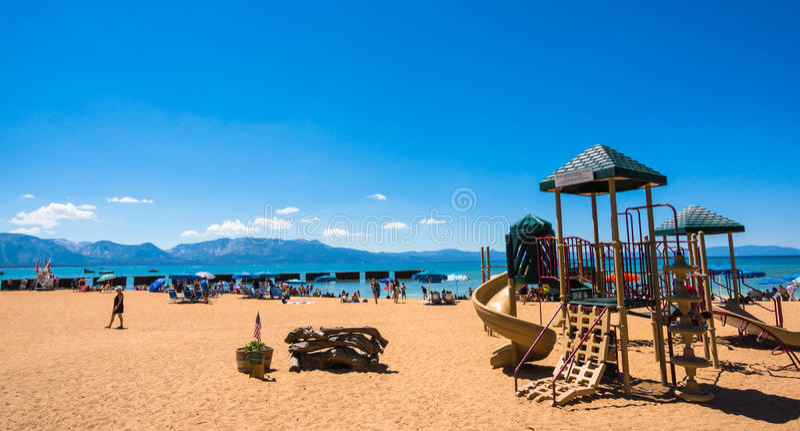 Härlig strand i Lake Tahoe, Kalifornien royaltyfri fotografi