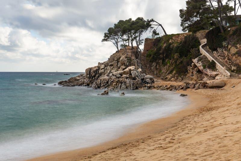 Härlig strand i Platja D 'Aro, Costa Brava arkivfoton
