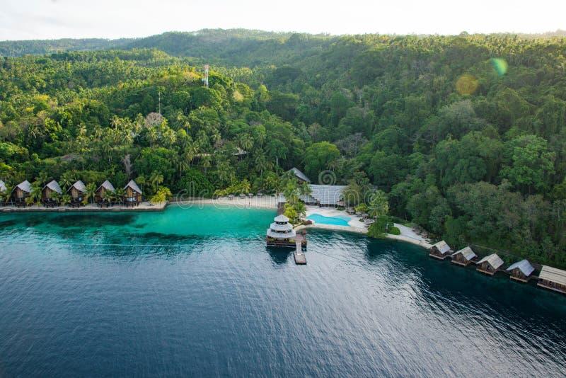 Härlig strandsemesterort i Mindanao, Parolo av semesterorten för pärlalantgårdstrand, Filippinerna royaltyfri bild