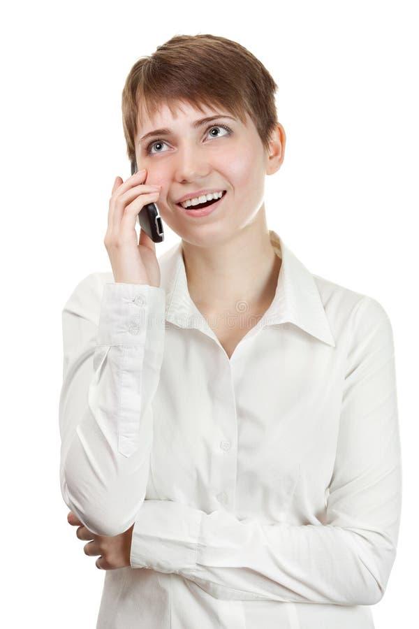 härlig talande kvinna för affärscelltelefon fotografering för bildbyråer