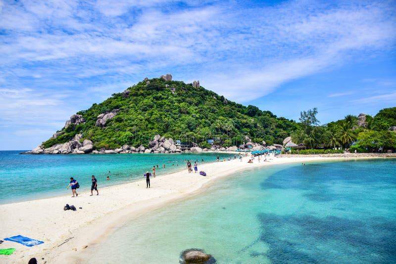 Härlig Thailand strand av den Nang Yuan ön, den populära turist- destinationen nära den Samui ön i golf av Thailand arkivfoto