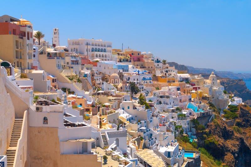 Härlig Thira by. Santorini arkivfoto