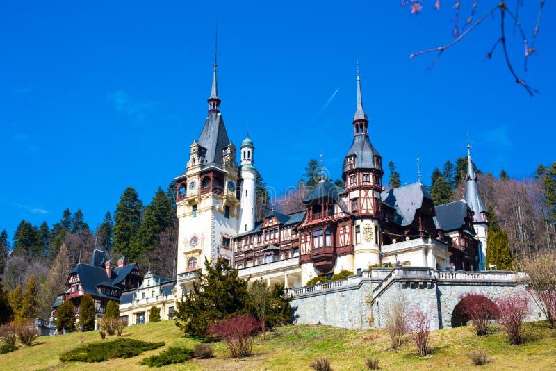 Härlig tidigare kunglig Peles slott, Sinaia, Rumänien royaltyfri foto
