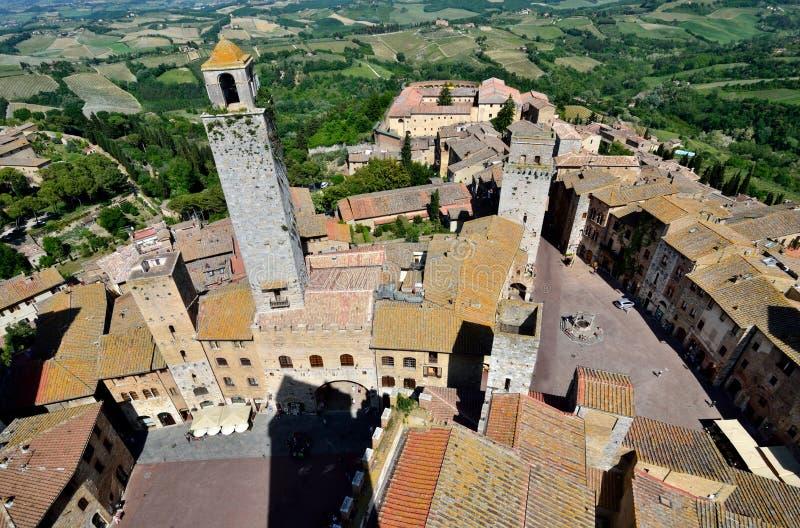 härlig town tuscany för gimignanosan torn arkivfoto