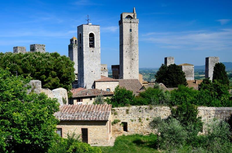 härlig town tuscany för gimignanosan torn royaltyfri fotografi