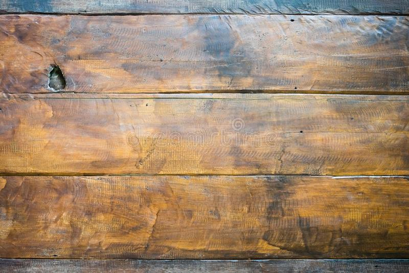 H?rlig tr?planka f?r Grunge som textureras med n?gon belysning p? den b?sta r?tten f?r din bakgrund eller bakgrund royaltyfri fotografi