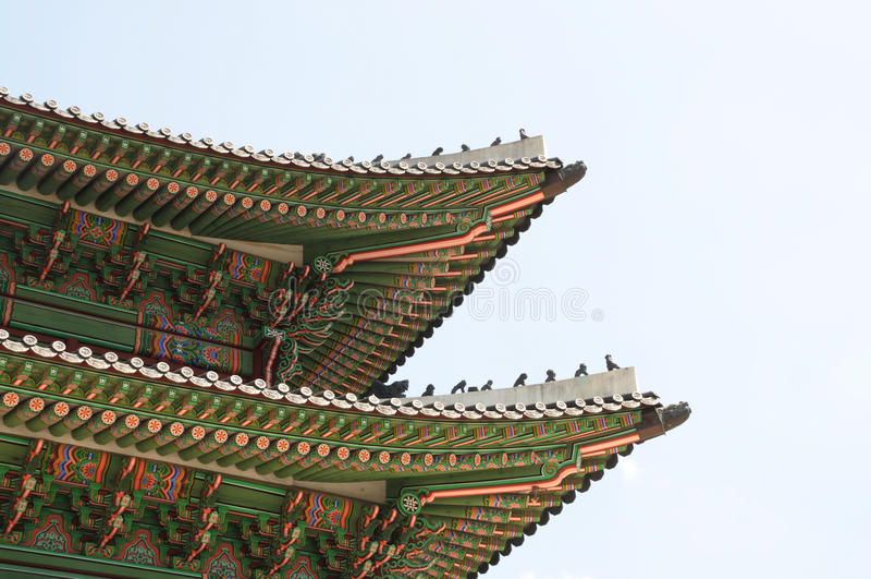 Härlig traditionell arkitektur i Seoul, Korea, offentligt ställe arkivfoto