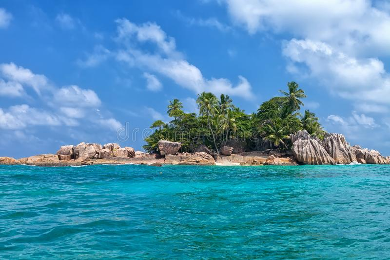 Härlig tropisk St Pierre Island, Seychellerna royaltyfri foto