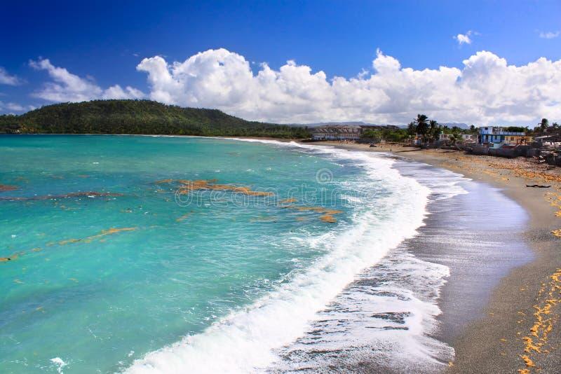 Härlig tropisk strand i Baracoa, Kuba arkivfoto