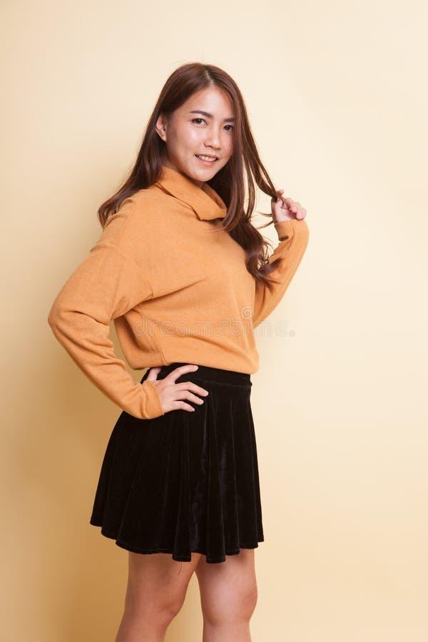 Härlig ung asiatisk kvinna royaltyfri fotografi