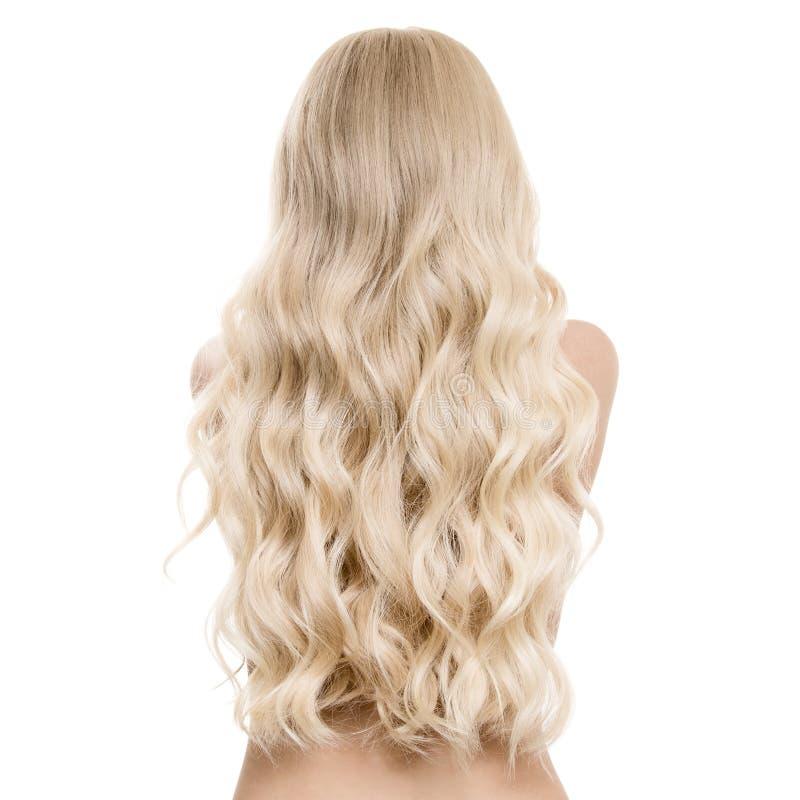 Härlig ung blond kvinna med långt krabbt hår royaltyfria foton