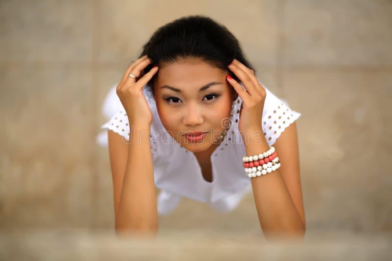 Härlig ung kazakhkvinna fotografering för bildbyråer