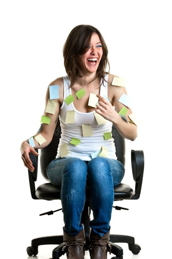 Härlig ung kvinna på arbete fotografering för bildbyråer