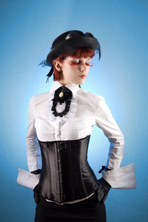 härlig victorian för kläderflickastil royaltyfri bild
