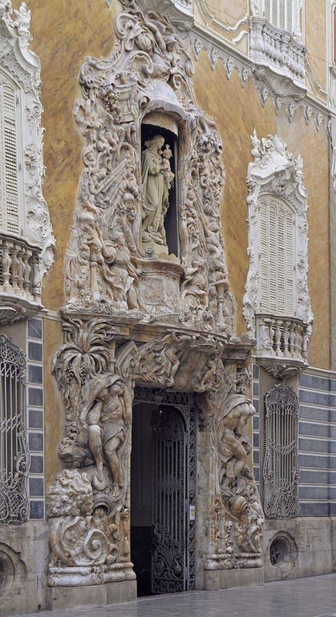 Härlig yttre fasad av det nationella museet av keramik i Valencia royaltyfri foto