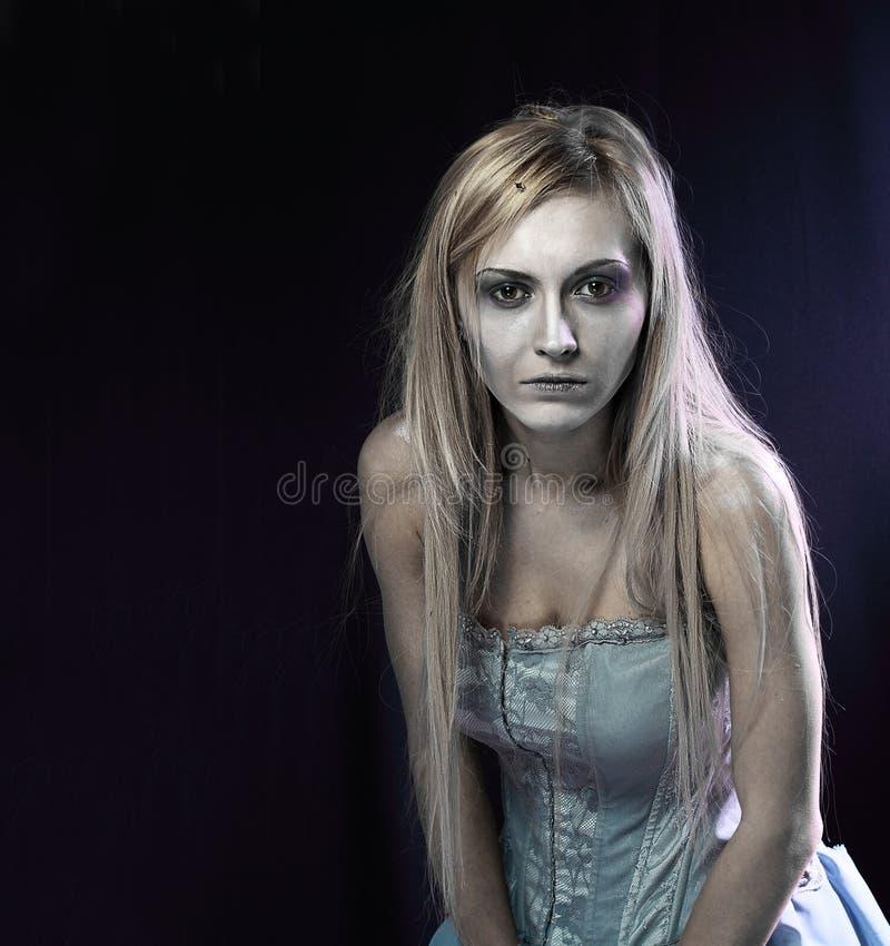 Härlig zombielikbrud royaltyfria bilder