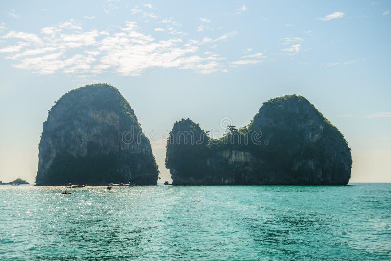 Härliga öar i det Andaman havet, Krabi, Thailand royaltyfria foton