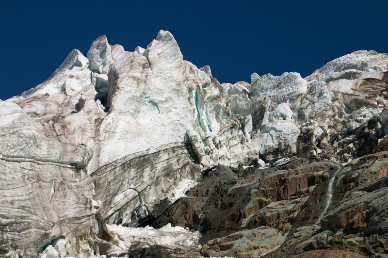 härliga berg royaltyfria foton