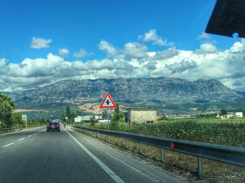 Härliga bergsikter från Albanien royaltyfri bild