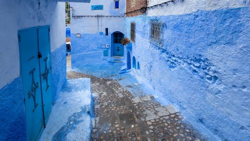 Härliga blåa medina av den Chefchaouen staden i Marocko, Nordafrika royaltyfri fotografi