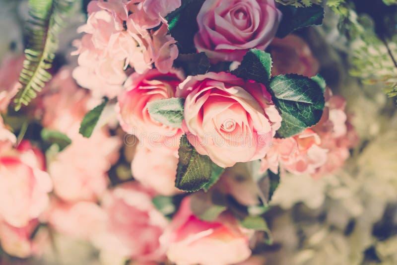 Härliga blommor för valentin och bröllopplats (Filtrerat royaltyfria foton