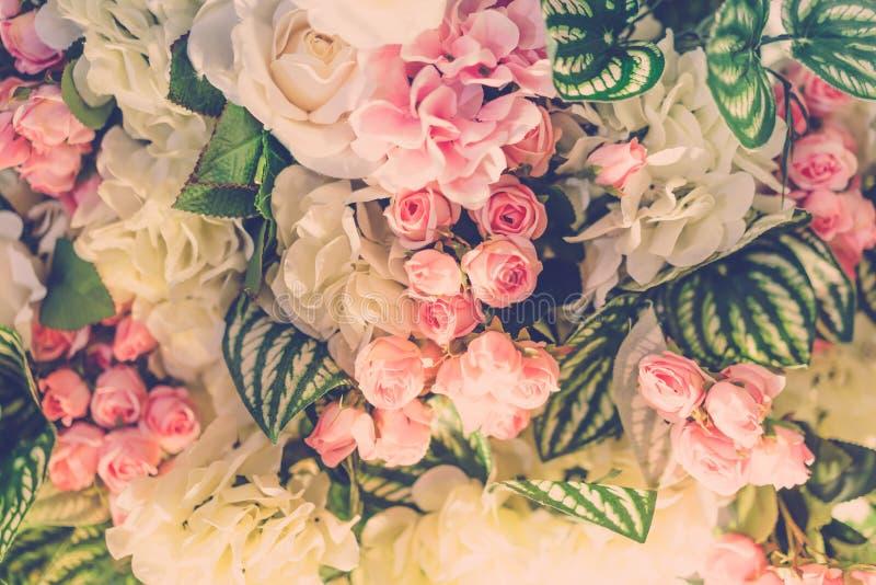 Härliga blommor för valentin och bröllopplats (Filtrerat royaltyfri foto