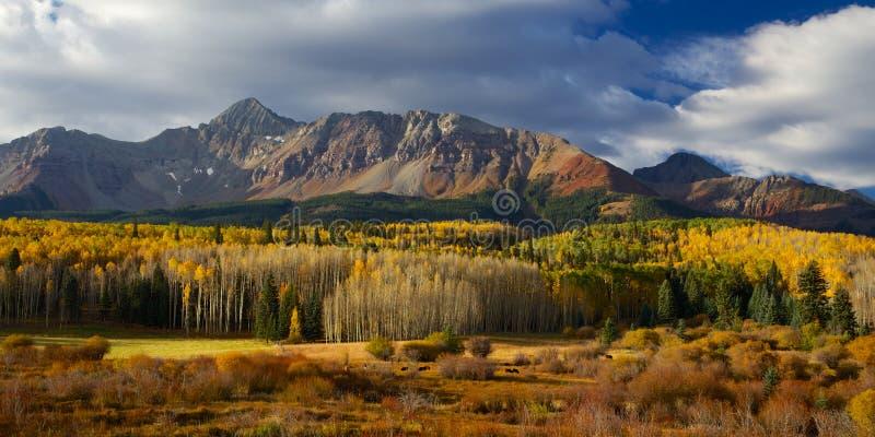 Härliga Colorado Alpin och berglandskap i höst arkivfoto