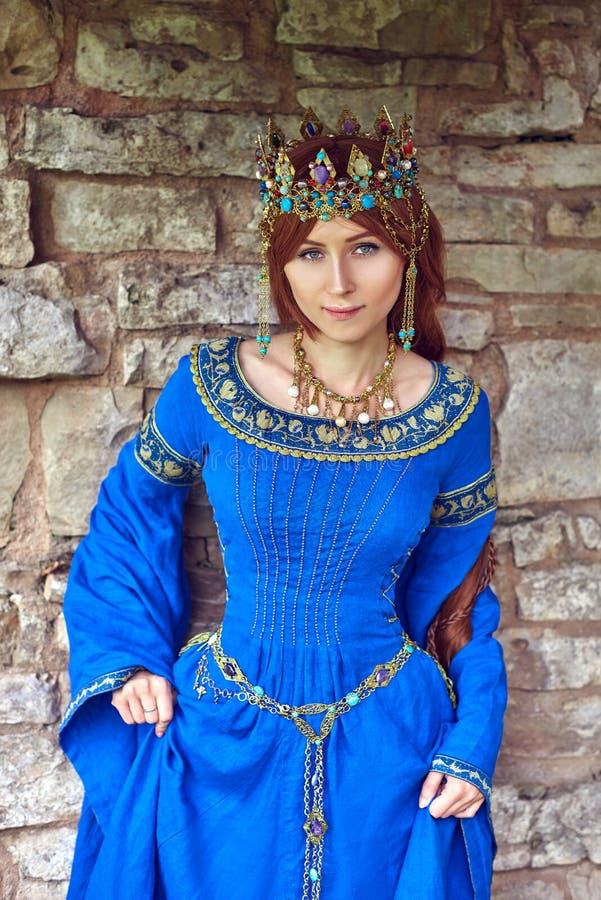 Härliga Eleanor av Aquitaine, hertiginna och drottning av England och Frankrike på hög medeltid royaltyfri foto