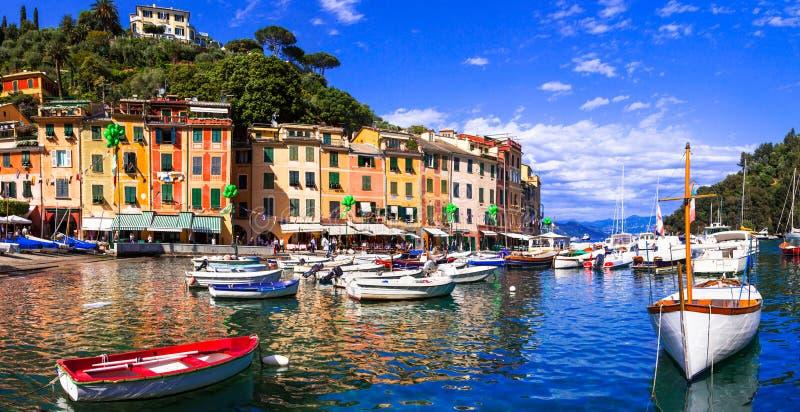 Härliga färgrika städer av Italien - lyxiga Portofino i Liguria royaltyfria foton