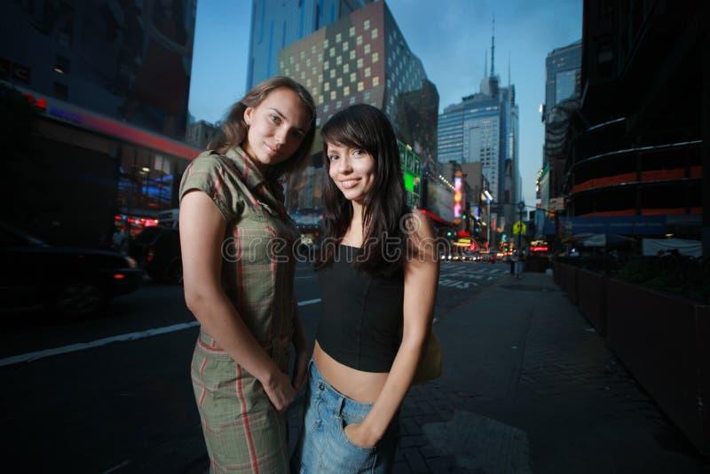 härliga flickor New York arkivfoto