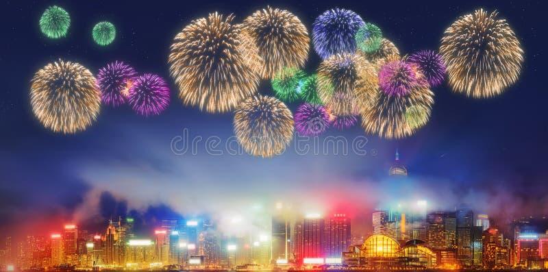 Härliga fyrverkerier i Hong Kong och finansiellt område royaltyfria foton